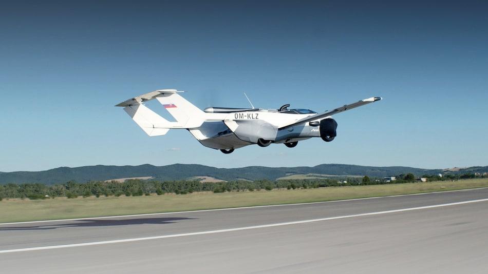 इस कंपनी ने तैयार की हवा में उड़ने वाली कार! यहां देखें उड़ती कार का वायरल वीडियो