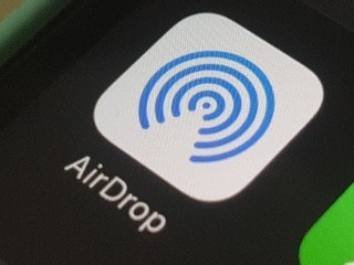 Apple's AirDrop Vulnerability Can Leak User Details to Anyone in Proximity: Researchers