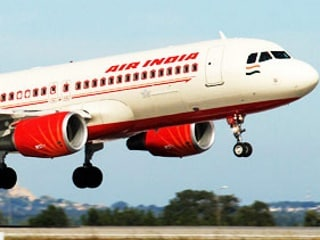 Civil Aviation Secretary Says Pushing 'Very, Very Hard' for In-Flight Wi-Fi in India
