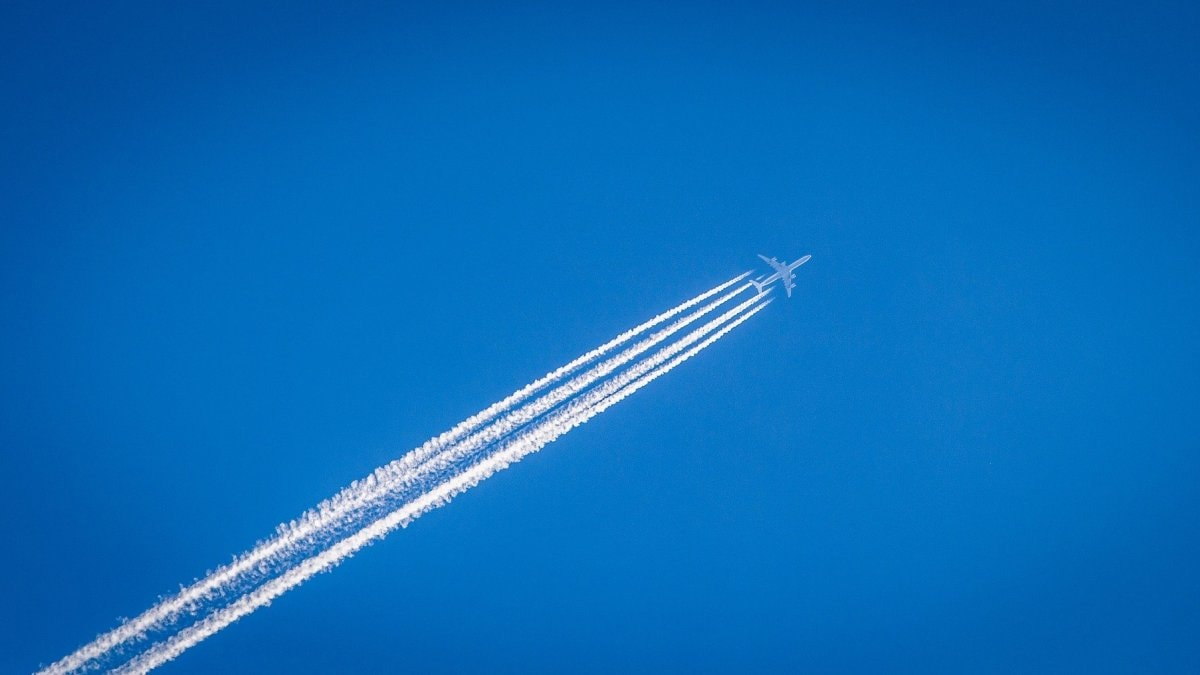 Researchers Discover a Way to Make Jet Fuel From CO2