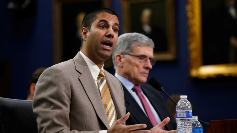 US FCC Votes 2-1 to Advance Repeal of Obama-Era Internet Rules