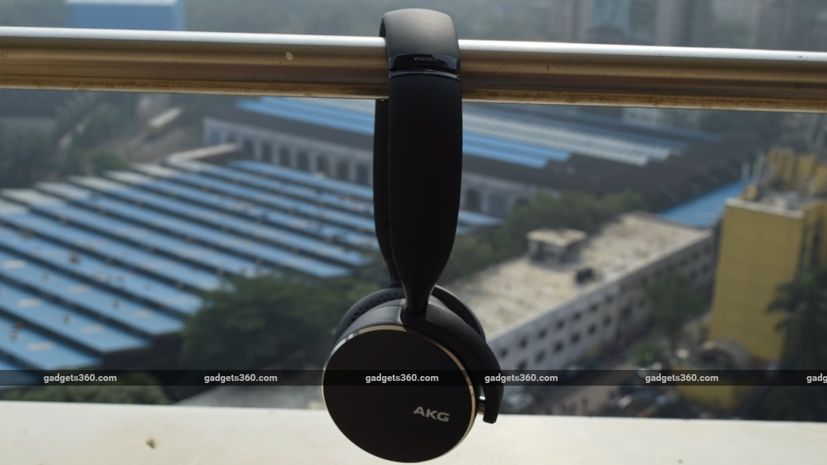 akg y500 review main 2 AKG