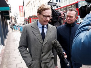 Cambridge Analytica's Former CEO Admits to Getting Facebook Data from Researcher