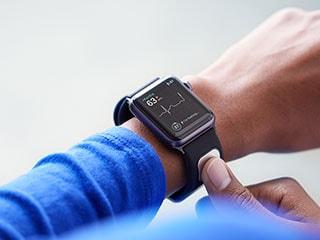 Apple Watch Gets First EKG Reader in AliveCor KardiaBand
