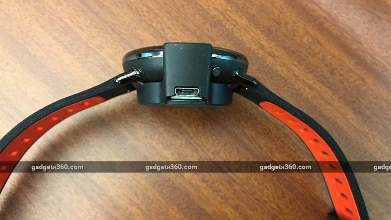 amazfit pace side charger gadgets 360 Amazfit Pace