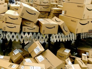 Free Amazon Packages Keep Coming to This Couple - And They Want It to Stop