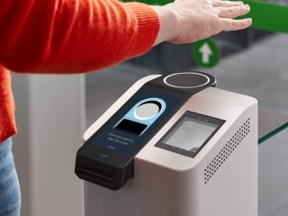 Amazon One Biometric Payments Unveiled, Lets You Pay by Hand-Waving