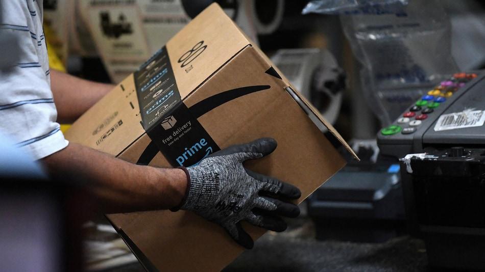 Amazon to Hire 100,000 Workers as Online Orders Surge on Coronavirus Worries