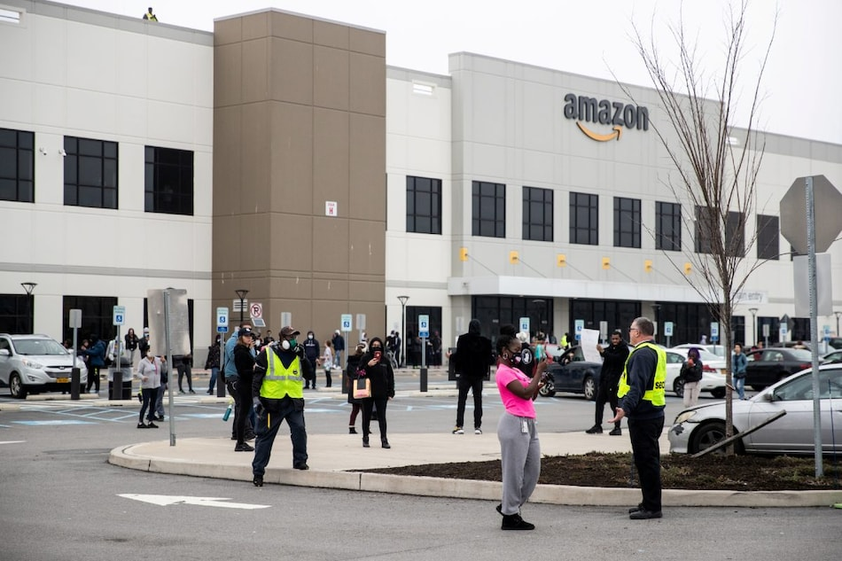 COVID-19: Amazon Said to Deploy Thermal Cameras at Warehouses to Scan for Fevers Faster