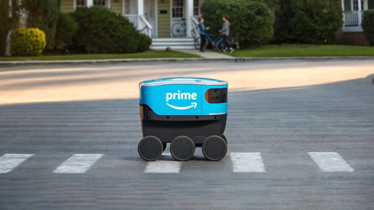 Amazon Spotted Deploying Cute Delivery Robots in the US