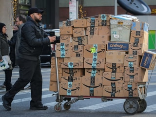 Amazon Drops Plan to Build Headquarters in New York City