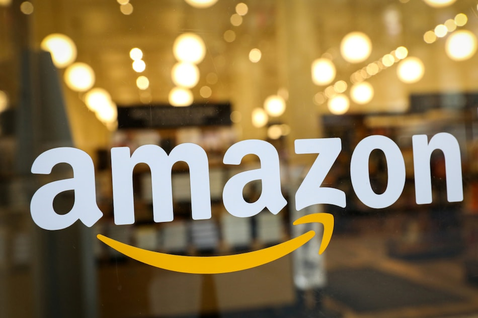 Amazon Questioned by US Senators on Allegedly Tracking Employees, Curbing Bids to Form Unions