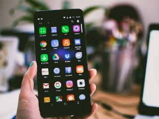 Google का स्मार्टफोन कंपनियों को निर्देश, नियमित अपडेट से समझौता नहीं