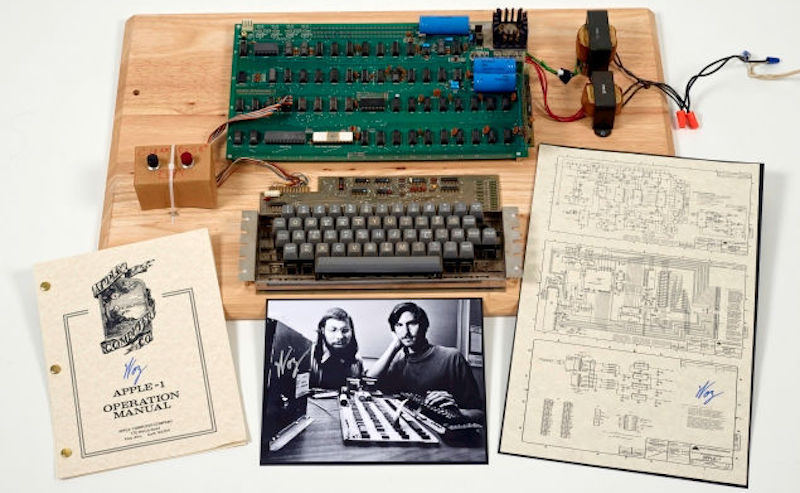 Rare Apple 1 Computer to Be Auctioned, May Fetch Over $300,000