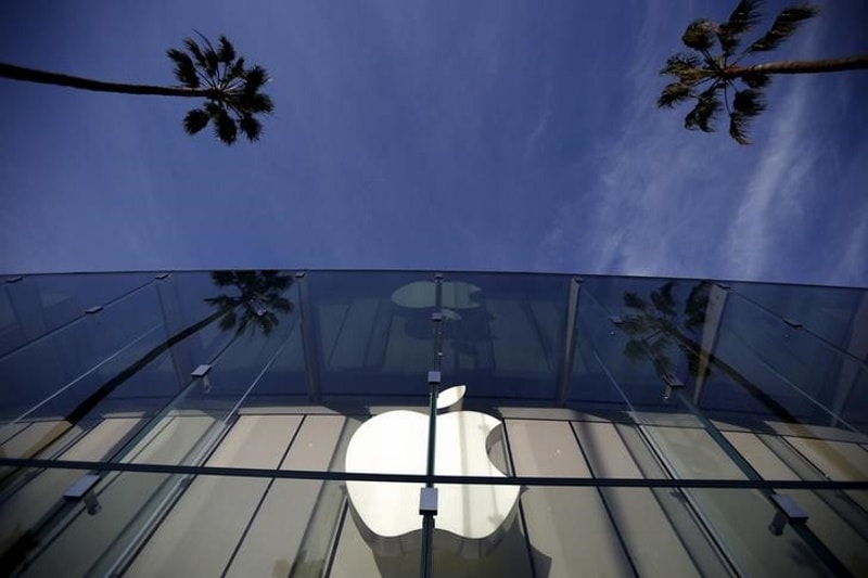 Apple Doubles Down on China as Rivals Pull Ahead