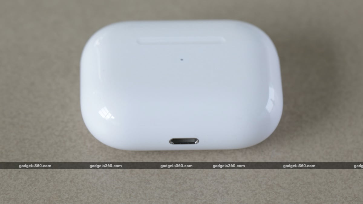apple airpods pro review case bottom Apple AirPods Pro