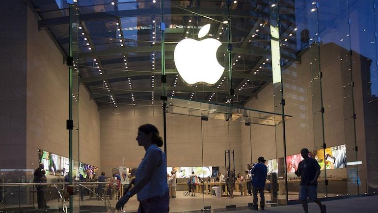 Apple এর বিরুদ্ধে 7,000 কোটি টাকার মানহানি মামলা করল 18 বছরের ছাত্র