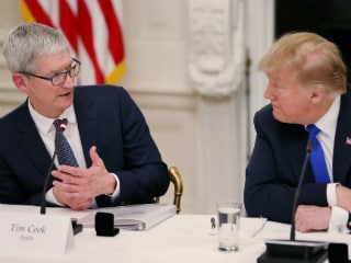 Trump Reveals Dinner Date With Apple CEO Tim Cook on Friday
