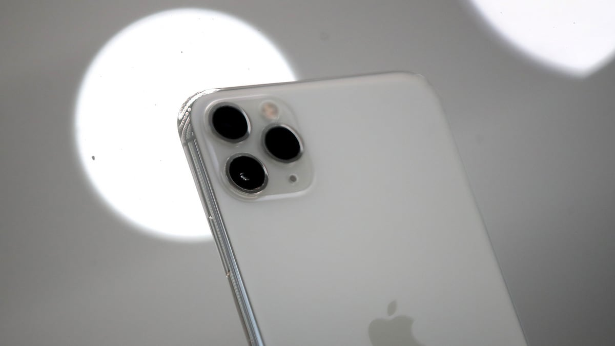 Iphone 11 Pro Trypophobia Fear Real Scientists Weigh In