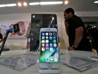 Apple Said to Revive Efforts to Sell Used iPhones in India