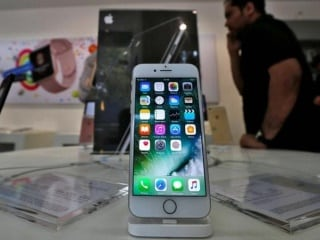 Replacing iPhone Battery 60 Percent Cheaper in India Now