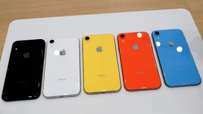 Apple cancelled the additional production of iPhone XR due to poor demand
