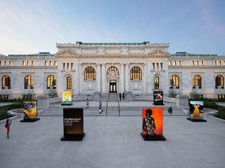 Apple CEO Tim Cook Inaugurates Apple Carnegie Library in Washington D.C.