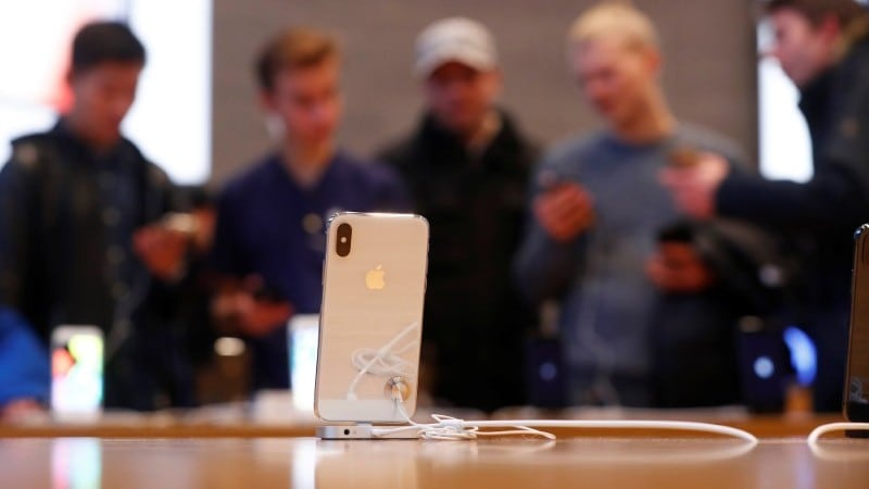 Apple Shares Rise After Sales Quell iPhone Worries