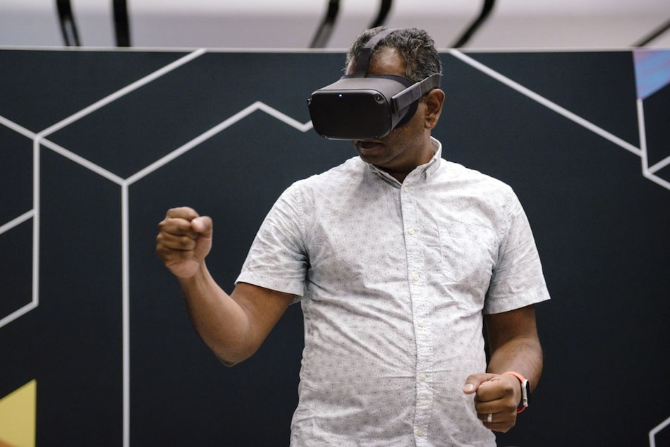 Apple Said to Release Mixed Reality Headset in 2022, AR Glasses in 2025, AR Contact Lenses in 2030: Report