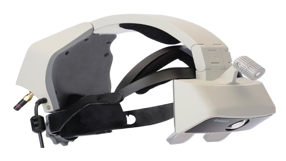 Augmented Reality for Surgery: Doctors Perform Minimally Invasive Spinal Procedure With AR Headset