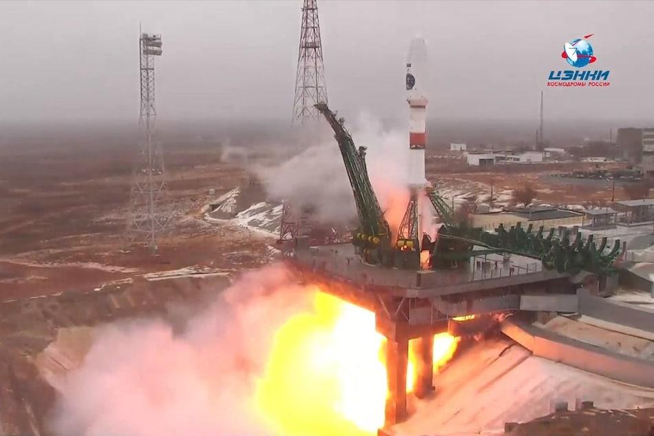 Rusia Meluncurkan Satelit Pemantau Arktik Pertama Arktika-M