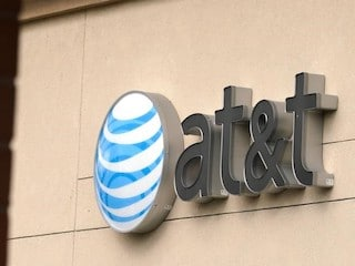 AT&T Promises Fewer Ads, Tailored Programming After Time Warner Merger