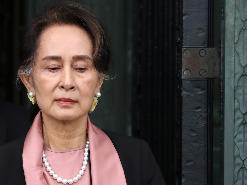 Coronavirus Pushes Myanmar Leader Aung San Suu Kyi to Facebook