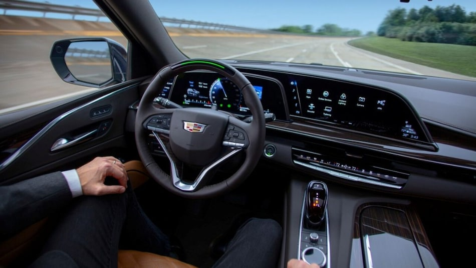 Automakers Race to Next Level of Not Quite Self-Driving Cars