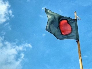 Bangladesh Orders Telecom Operators to Shut Down Services Along India Border