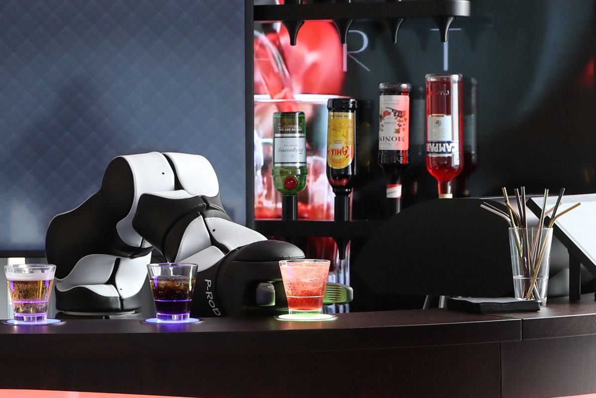 Barney the Swiss Robot Bartender Ready to Serve Up Dozens of Cocktails