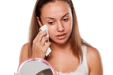 7 Best Makeup Remover Wipes You Need In Your Life!
