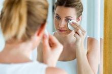 15 Best Makeup Removers in India: Gunk-Destroying Formulas Reviewed