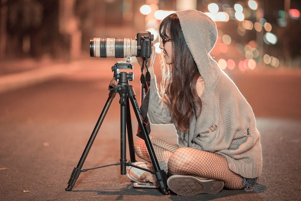 10 Best Tripods For Your DSLR And A Buying Guide You Must Read