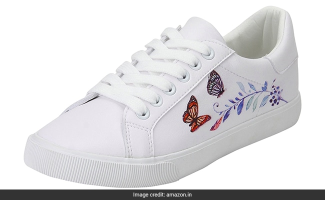 best white sneakers for women india (8) 1555318705648
