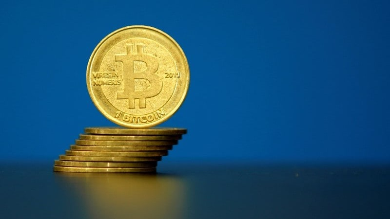 Bitcoin's value nosedives as Chinese regulators apply pressure