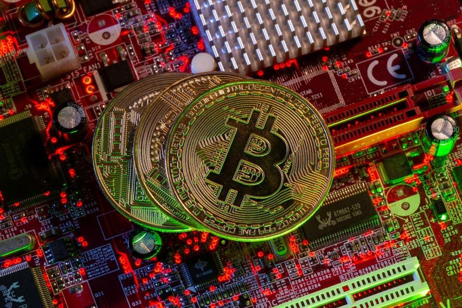 Elon Musk Tweet Dents Bitcoin, but Weekly Gain in Prospect