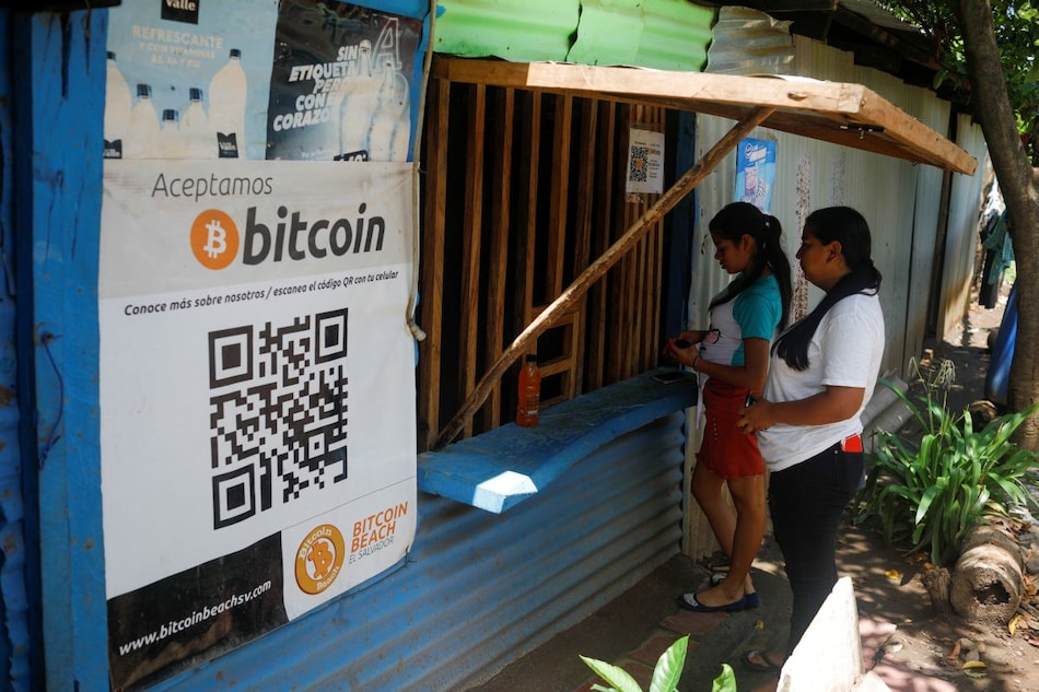 Bitcoin in El Salvador: World-First Adoption of Cryptocurrency Sees Angry Protest, Glitches, and a Dip