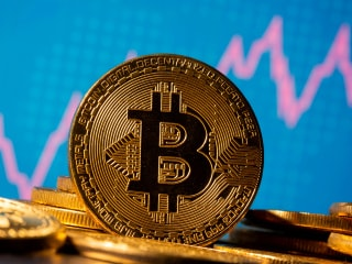 Bitcoin Price Drops After Turkey Bans Cryptocurrency Payments Citing Risks