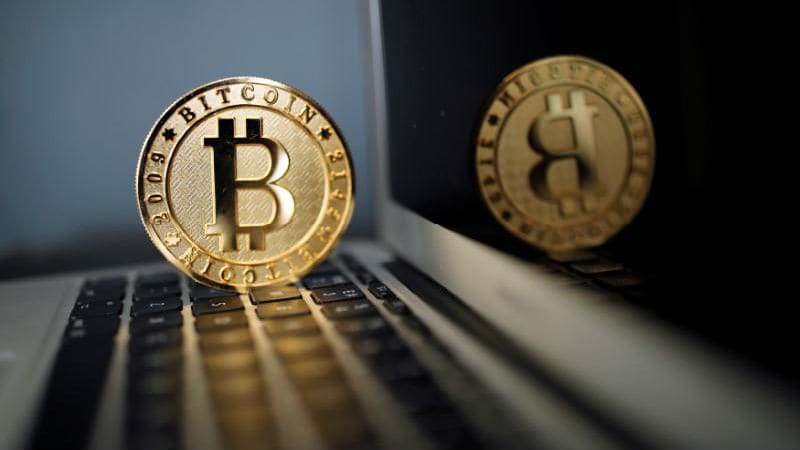 Bitcoin Crashes to Lowest This Year, Losses Top 25 Percent in a Week