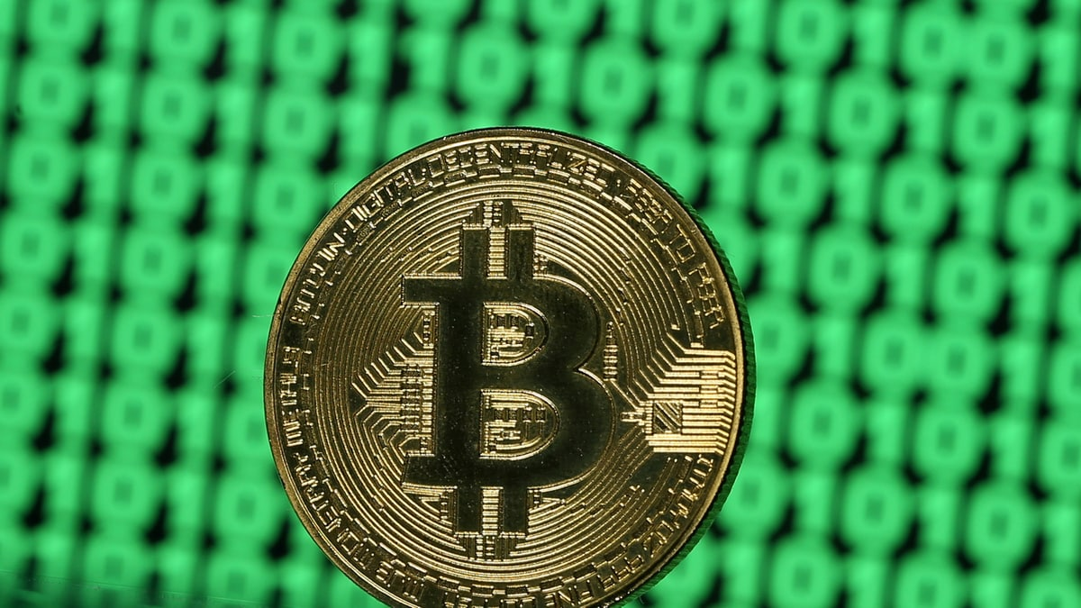 Bitcoin Slumps as Global Market Turmoil Over Coronavirus Infects Cryptocurrencies