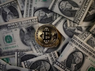 Bitcoin Set for Worst Week Since 2013 as Crypto Sell-Off Intensifies
