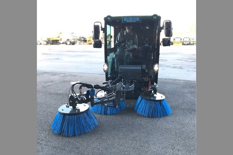 All-Electric Road Sweepers Could Come to Delhi Soon