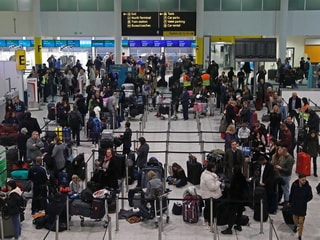 Britain to Expand Drone Exclusion Zone After Gatwick Chaos