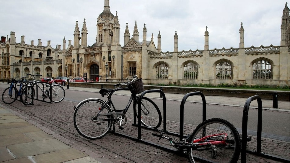 Cambridge University to Hold All Lectures Online Until Summer 2021